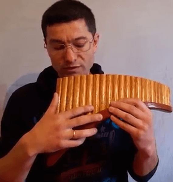 флейта пана средний палец